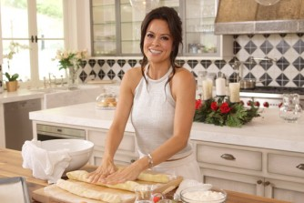 breaking-bread-with-brooke-burke_sized